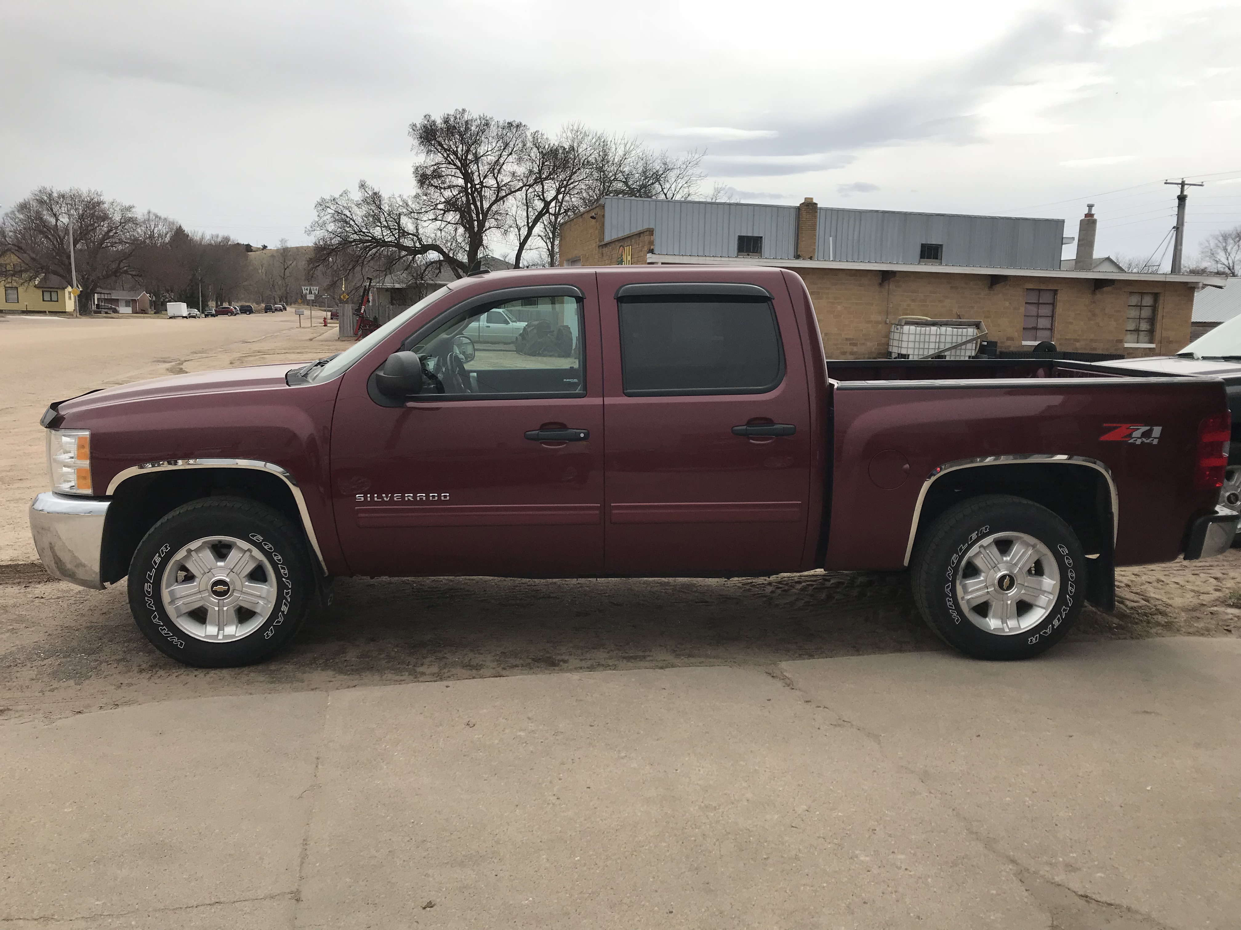 chevrolet automobiles used l in pickup photo view right corner image details red ab rear victory lethbridge silverado door
